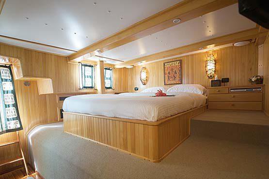 Luxury Sailing & Motor Catamaran luxury double cabin