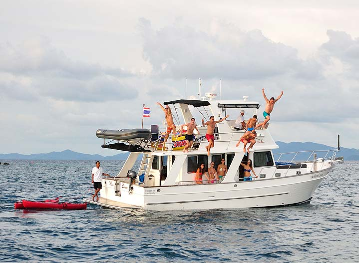 Cruising around Phang Nga Bay and Krabi on Overnight Sailing and Motor Charters